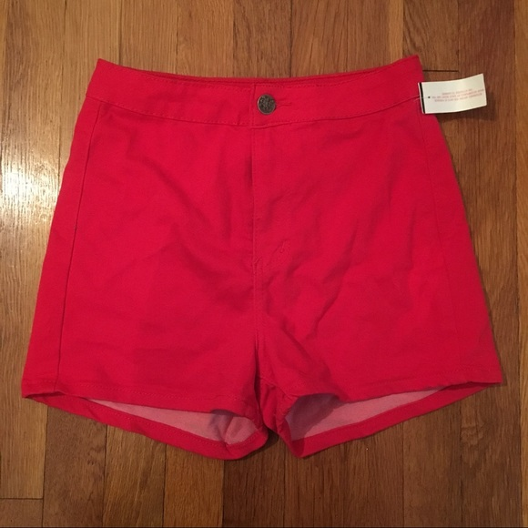 Pants - Red high-waisted shorts
